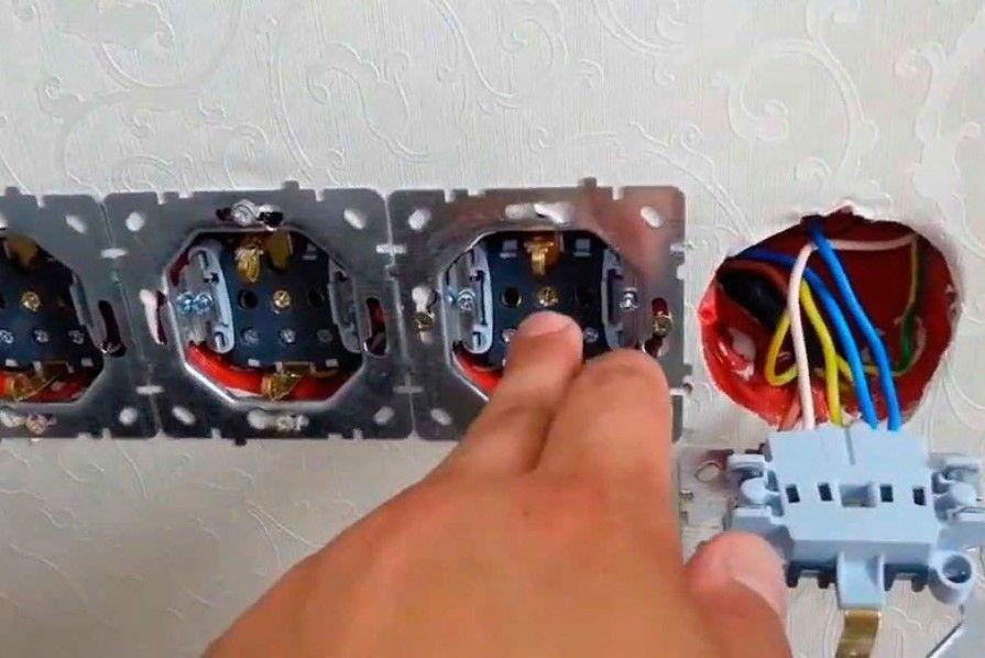 Виклик електрика в дніпрі. Послуги електрика Цілодобово. Електрик