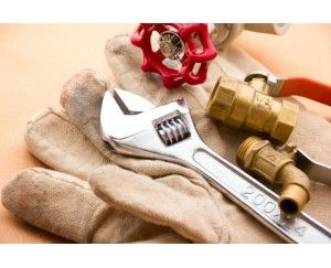 Ремонт сантехніки, ремонт бачка унітазу, установка бойлера, ремонт смес